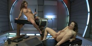 Toy loving dykes gets both holes stretched