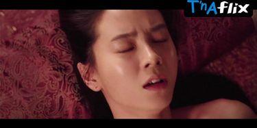 Nackt  Song Ji-hyo Actress Song